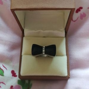 Jewelry - Black bow statment ring with 4 rhinestones